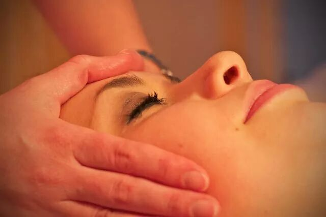 eastern-face-massage